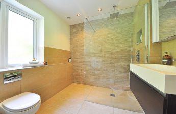 revêtements en carrelage une salle de bain